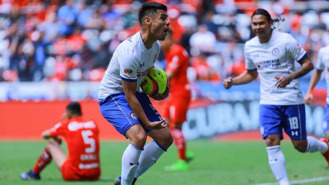 Cruz Azul rescató  el empate con Toluca