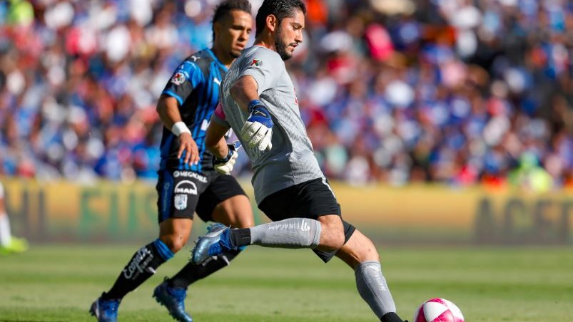 Cruz Azul pierde liderato ante Queretaro