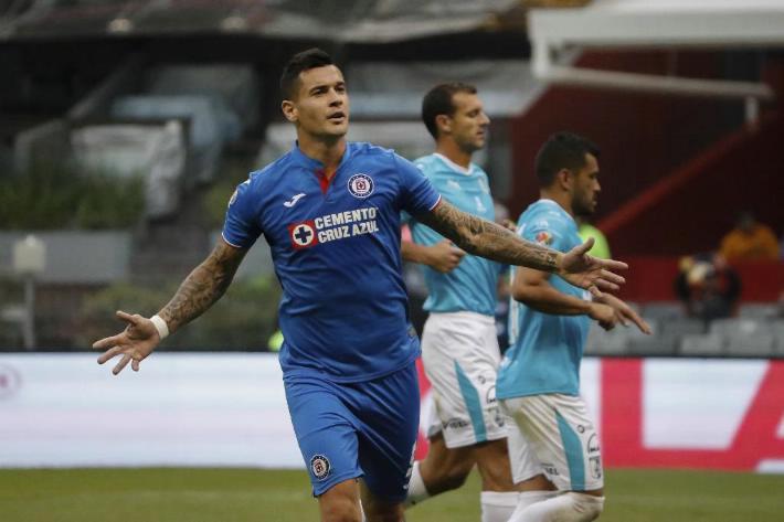 Cruz Azul gana 3 – 0 en el Azteca
